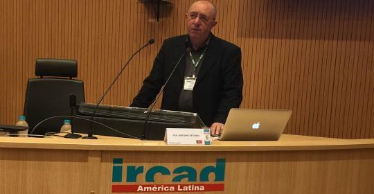 Dr Setúbal durante as aulas em IRCAD AMÉRICA LATINA -Barretos-Brasil